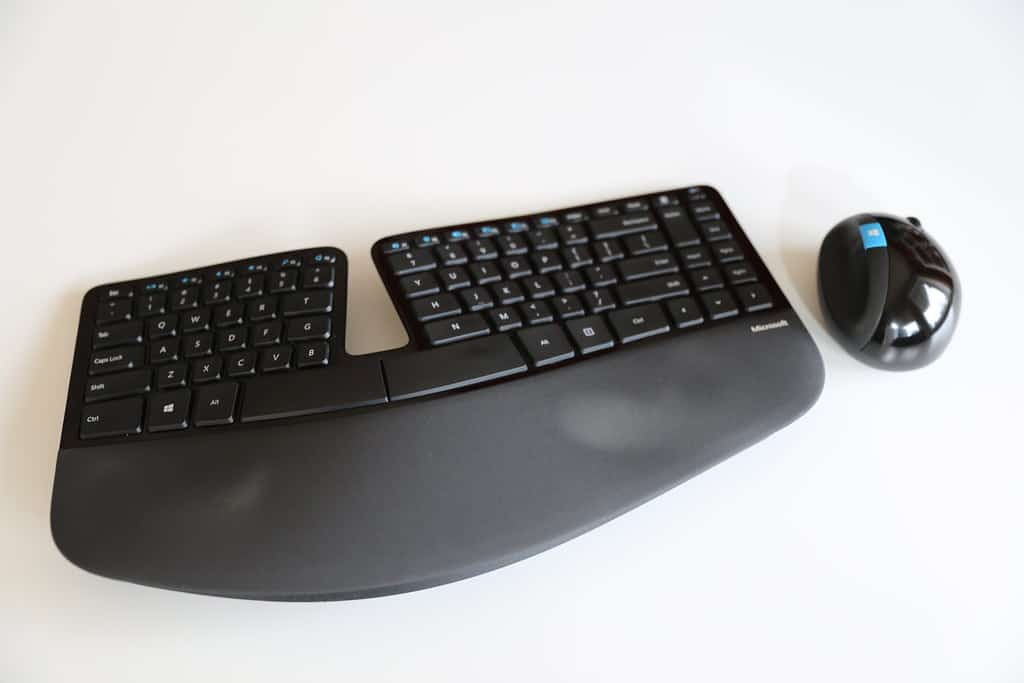 Microsoft sculpt comfort keyboard Why Businesses use them 1