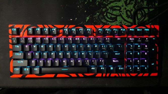 How to Paint a Mechanical Keyboard pewdiepie design