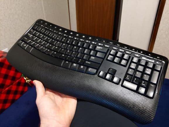 Microsoft Wireless Ergonomic Keyboard 5000 Beutiful Design and Layout